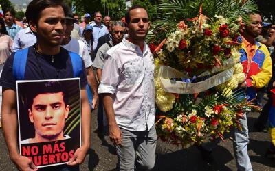 Marcha en honor al estudiante Juan Pablo Pernalete, asesinado por el imp...