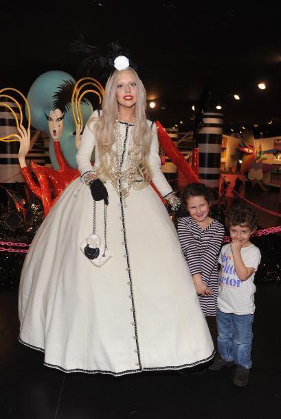 El mejor disfraz de Lady Gaga 2588cf8a5db64fa39b7d8cd01ed6c442.jpg