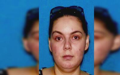 Arrestan a supuesta psíquica de Woodland Hills que habría estafado a cin...