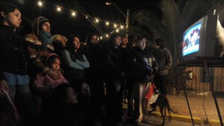 Las calles de Copiapo se llenaron de vecinos que seguían el operativo en...