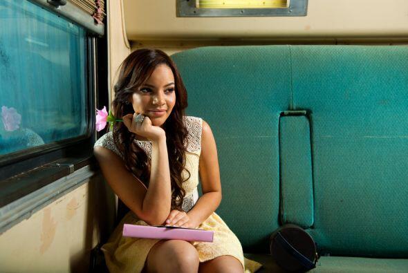 Leslie está nominada a Artista Tropical Femenino del Año y a Álbum del Año.