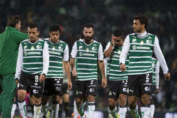 Santos acabó la primera mitad contrariado ante el sistema de jueg...