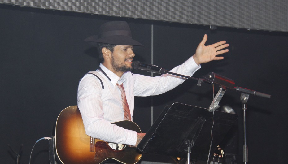 Draco Rosa en Latin GRAMMY Acoustic Sessions