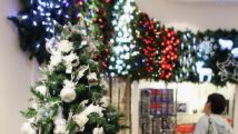 Según encuesta, los compradores esperan gastar cerca de $ 831 en regalos...