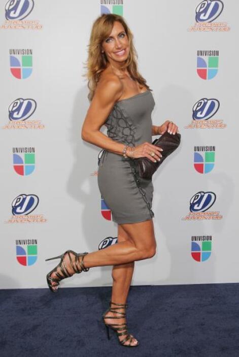 ¿Qué podemos decir de estas piernas de campeonato?.. Lili Estefan puede...