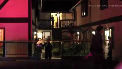 Policía investiga un ataque en contra de una familia en Costa Mesa.