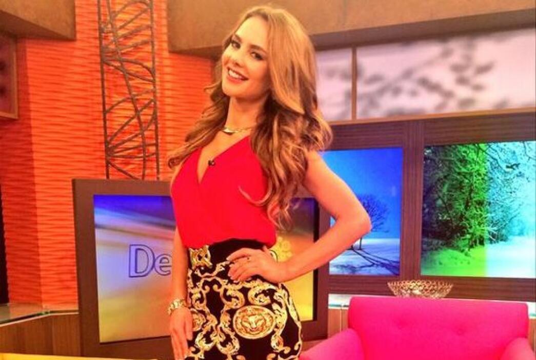 """""""La fotico de hoy en @DespiertaAmeric FELIZ DÍA PARA TODOS"""", dijo Ximena..."""