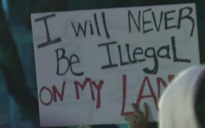 Manifestaciones pacíficas y otras violentas en Los Ángeles por la posesi...
