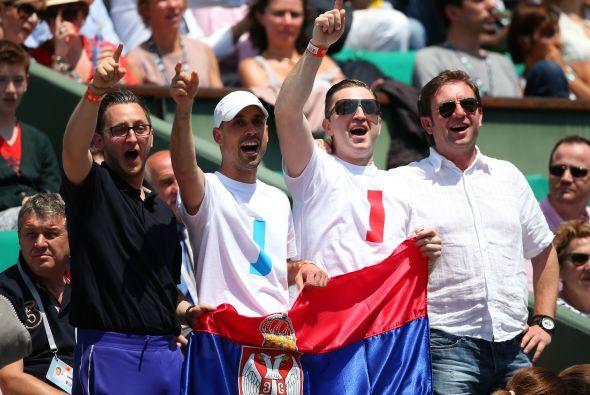 Los fans de Jankovic no se dieron por vencidos y continuaban apoyando a...