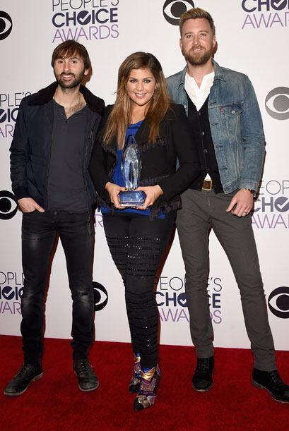Lady Antebellum con su People's Choice Award.