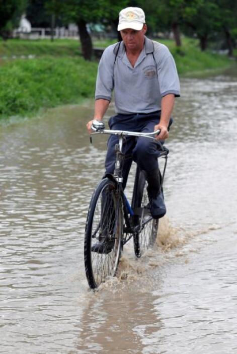Las lluvias en Guatemala persistirán por al menos 48 horas, dijo el mete...