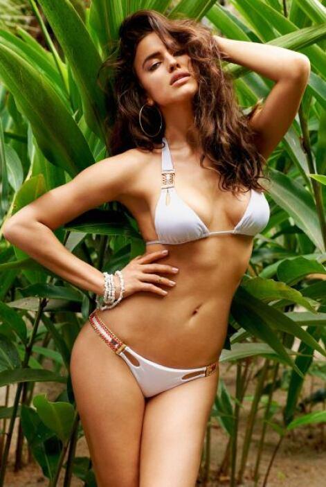 La primera en engalanar nuestro Top 5 es Irina Shayk, que dejó sus curva...