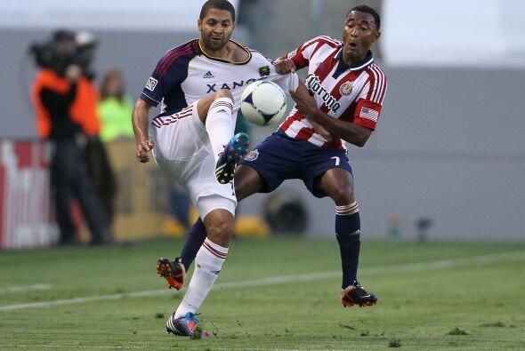 Sufrieron para contener a Alvaro Saborío quien volvió de l...