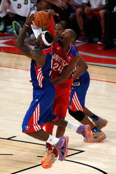 Kobe no le hizo la vida fácil a LeBron.