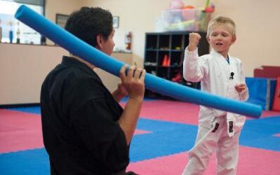 Liam Brenes, de 4 años, no permitió que el robo de su pierna artificial...