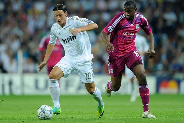 Una vez más, Ozil fue la manija del conjunto de Mourinho.
