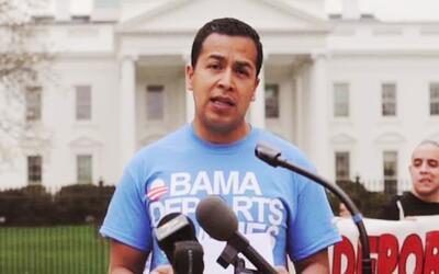 César Vargas es el primer dreamer en ser abogado y llegó a Washington a...