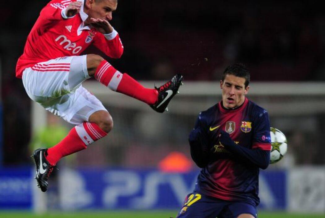 Pero en el segundo tiempo el equipo español mejoró su rendimiento y puso...