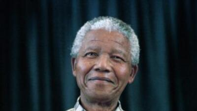Nelson Mandela, de 94 años, lucha contra una infección pulmonar.