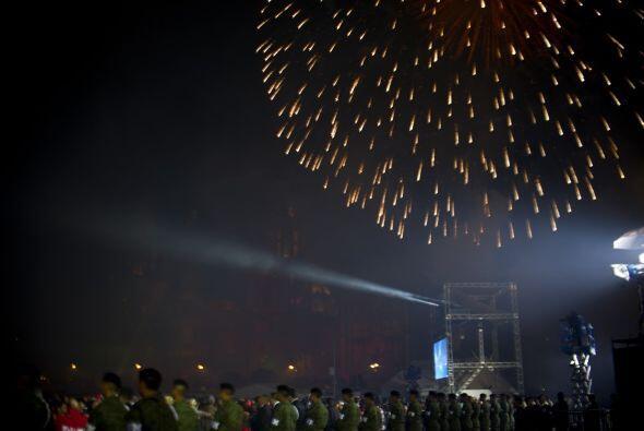 La explosión de colores iluminó el cielo del Centro Histórico de México.