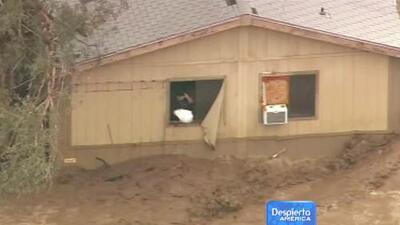 Severas inundaciones arrastran casas en Arizona