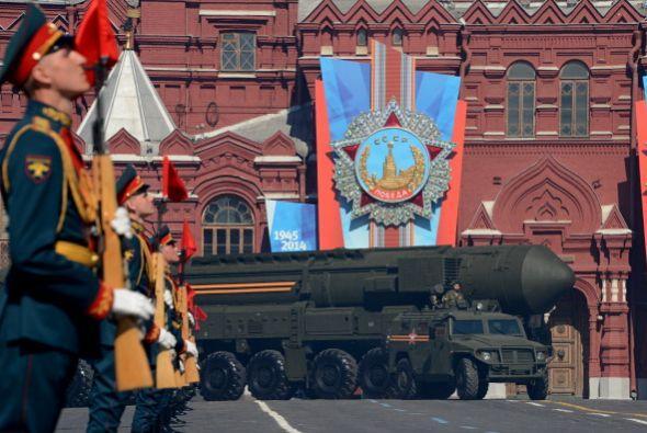 Este viernes, la hermosa Plaza Roja de la capital rusa dejó ver un enorm...