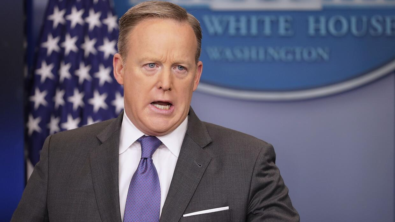 """Sean Spicer: """"Inmigrantes con antecedentes criminales serán las primeras..."""