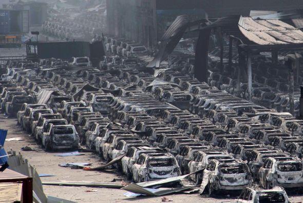 Estas imágenes muestran un gran número de vehículos de fabricantes como...