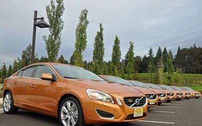 Volvo decidió renovar su sedán S60 y para 2011 llega con un diseño total...