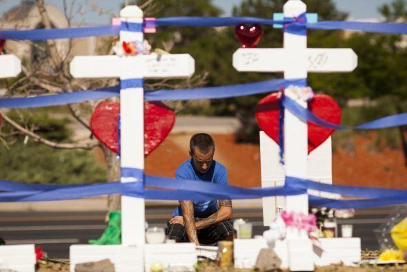 El presunto autor de la masacre, James Holmes, de 25 años, fue ar...