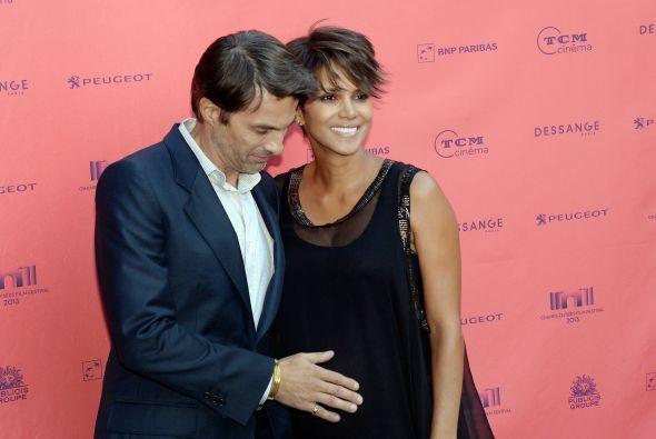 El pasado mes de julio Halle se casó en Francia con Oliver Martínez.