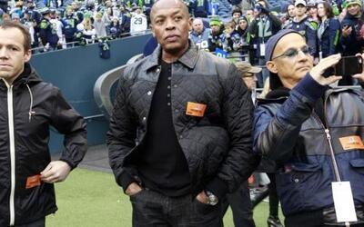Dr. Dre y Jimmy Lovine (AP-NFL).