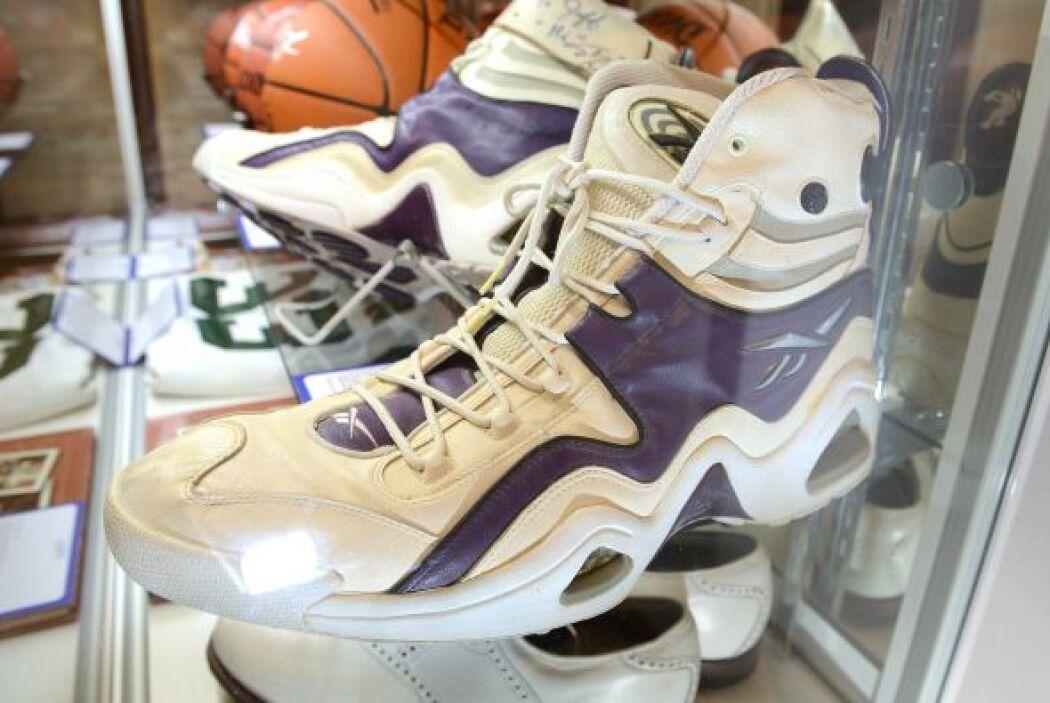Y siguiendo la línea de los deportistas, estas zapatillas de basquetbol...
