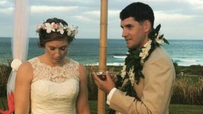 Natalie Heimel y Edward Mallue Jr. al momento que reciben la llamada de...