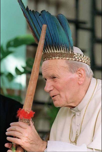 Imagen de su Santidad Juan Pablo II durante su visita a Brasil.