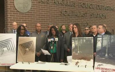 Policías de la estación de la calle 108 piden limpiar el moho de las ins...