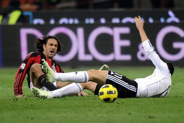 Alessandro Nesta inició el duelo, pero no corrió con mucha...
