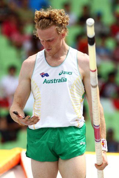 Hooker posee un record personal de 6.0 metros, sin embargo, no pudo pasa...
