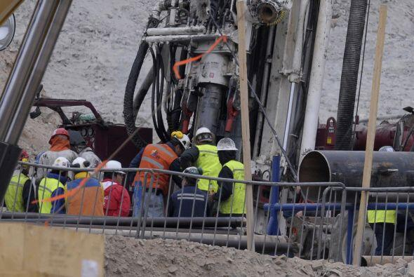 Otros están preocupados por la ansiedad de sus mineros, con los que se c...