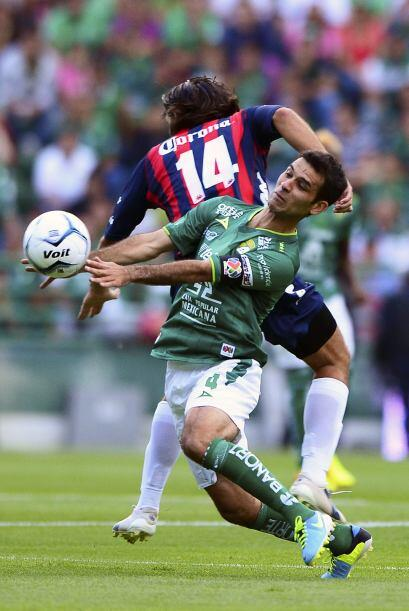 Una jugada entre Francisco Fonseca y Rafael Márquez desencadenó la expul...