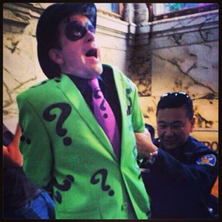 El Acertjio al momento de su arresto. Usuario @michelle-my-belle. (Fotog...
