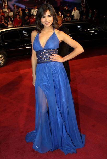 Alejandra Espinoza optó por un traje azul para este evento.
