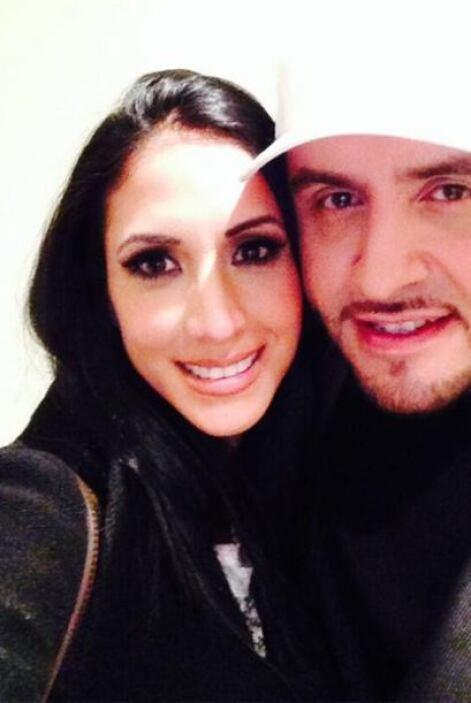 """""""Encantada de verte amigo @juanriveramusic"""", dijo Cynthia Urias.(Diciemb..."""