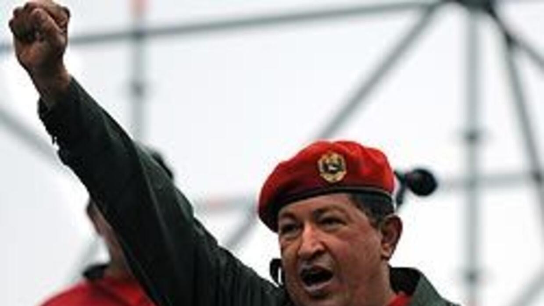 Chávez celebró retorno al poder tras golpe 2002 y alista a 30,000 milici...