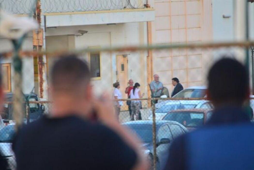 Poco después de ser liberado, Carvajal abordó un avión con destino a la...