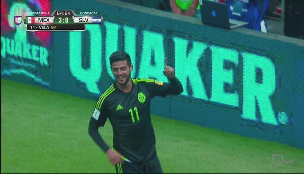 Pase magistral y gol de clase: 'Tecatito' y Vela hacen el 3-0 de México...