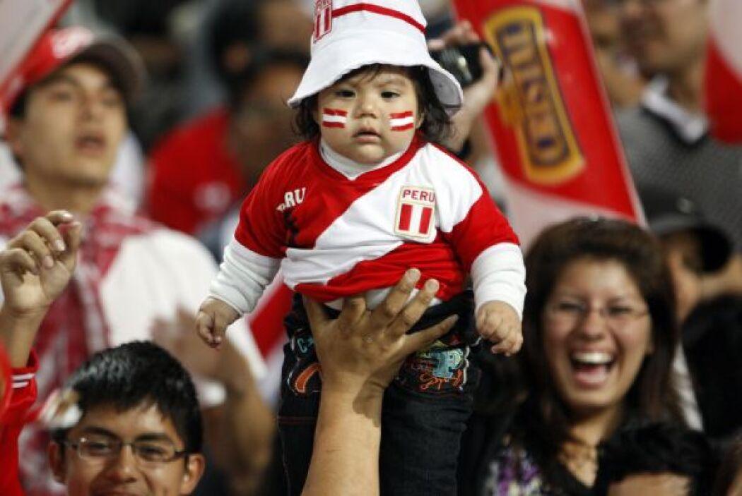 ´Viva Perú, a seguir ganando que vamos a Brasil, y no me aflojen la mano...