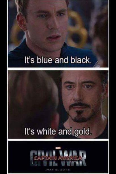 Los Avengers se pelean a muerte por el colorcito del vestido.