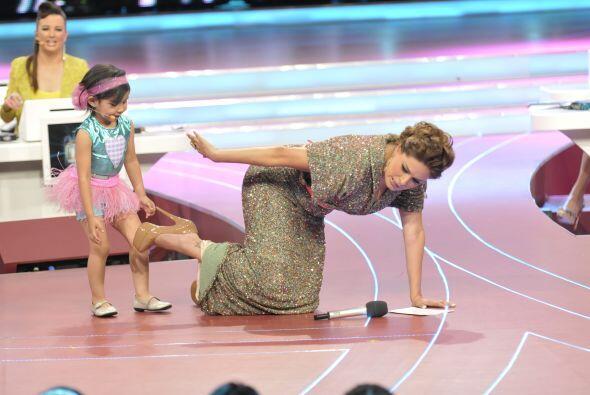 Pues la pequeña Nazli le pidió que hiciera un poco de yoga junto a ella.
