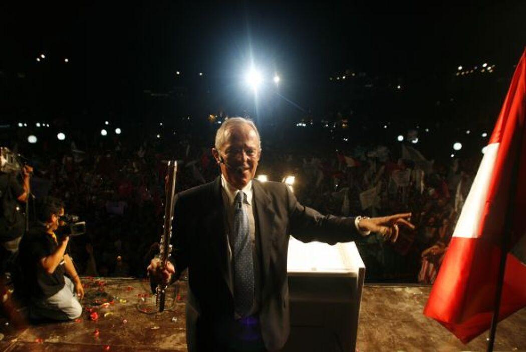 Kuczynski se encuentra prácticamente en un empate con el ex presidente A...